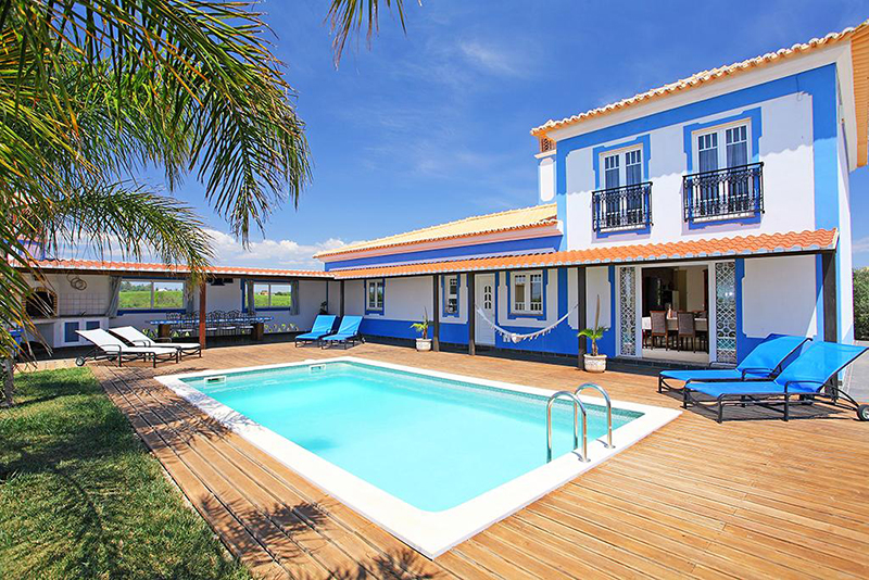 Rent family holiday Villa Albufeira VT120 with heated private pool in Albufeira