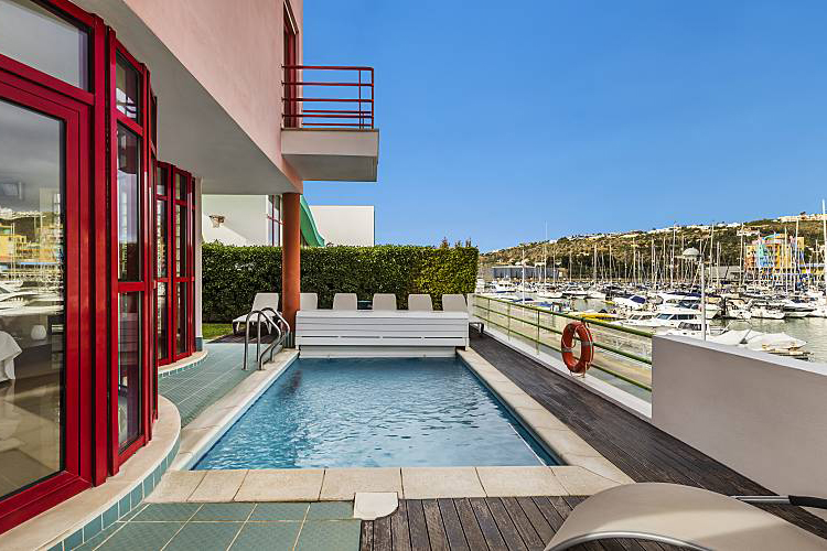 Rent family holiday Villa Albufeira VT221 with heated private pool in Albufeira