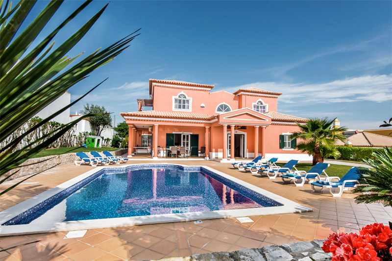 Rent family holiday Villa Albufeira VT313 with heated private pool in Albufeira
