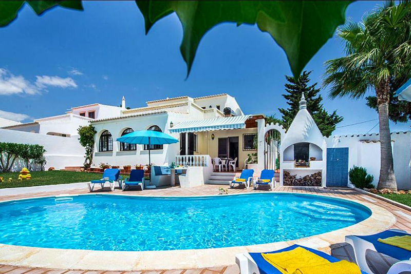 Rent family holiday Villa Albufeira VT324 with heated pool in Albufeira