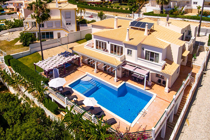 Rent family holiday Villa Albufeira VT601 with heated pool in Albufeira