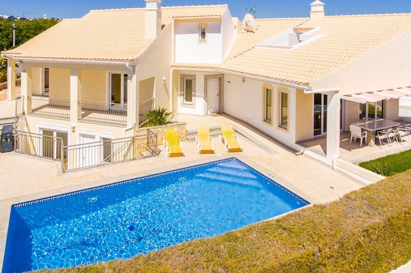 Rent family holiday Villa Albufeira VT603 with heated private pool in Albufeira