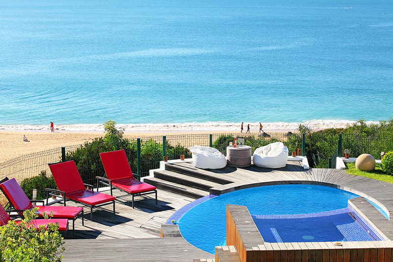 Rent luxury child friendly holiday Villa Albufeira VT150 heated children's pool directly at the beach in Albufeira