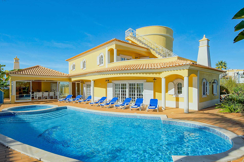 Rent luxury child friendly holiday Villa Albufeira VT307 with children's pool in Albufeira