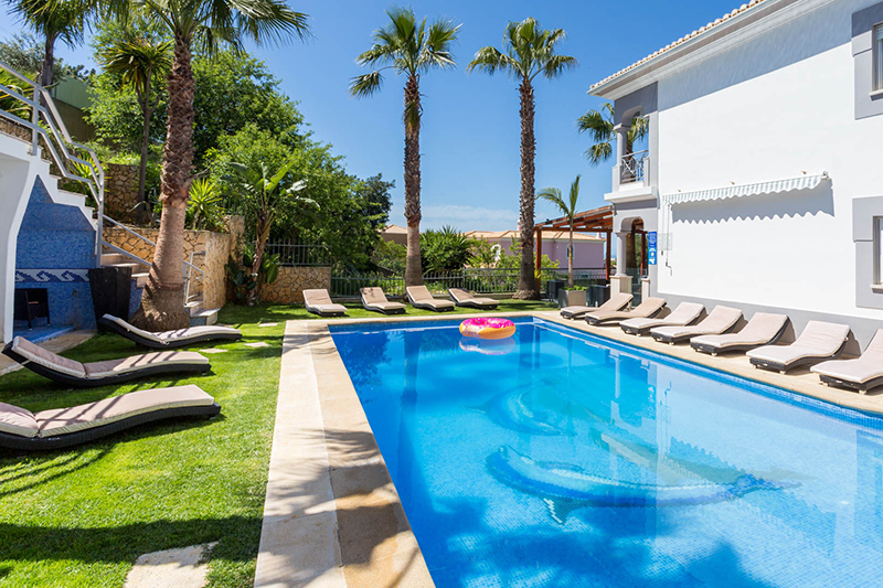 Rent luxury holiday Villa Albufeira VT429 with heated pool in Albufeira