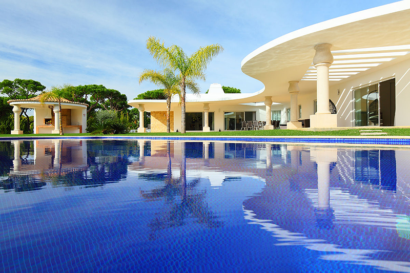Rent luxury holiday Villa Vilamoura VT231 with heated private pool in Vilamoura